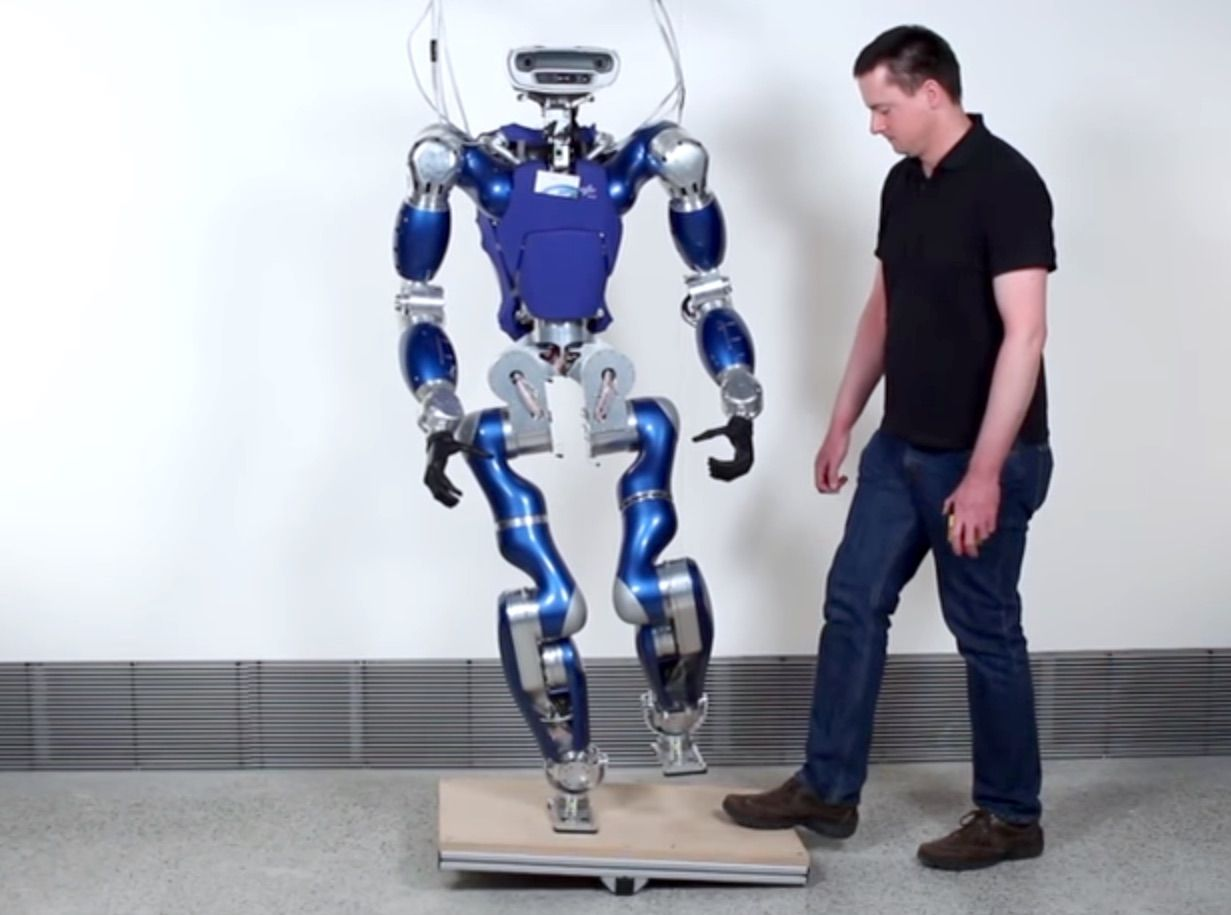 robot commercial asie)